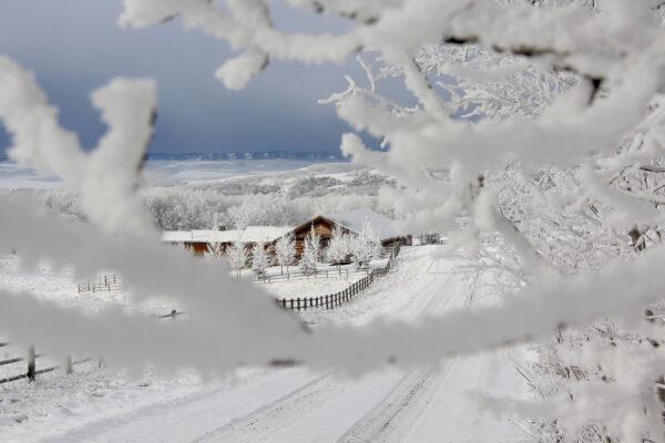 7k_ranch_barn_winter_snow